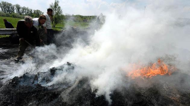 Autodefensas: Aldea cerca de Slaviansk fue atacada con fuego de artillería dejando víctimas