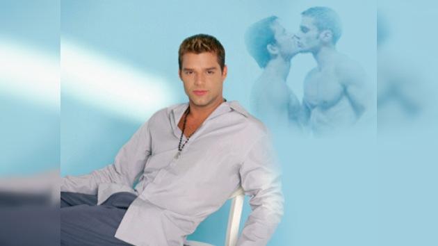 Ricky Martin reconoce que está disfrutando del amor
