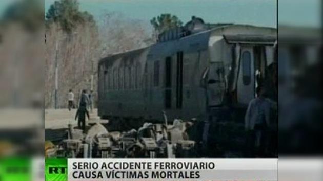 Ocho muertos al descarrilar un tren en Irán