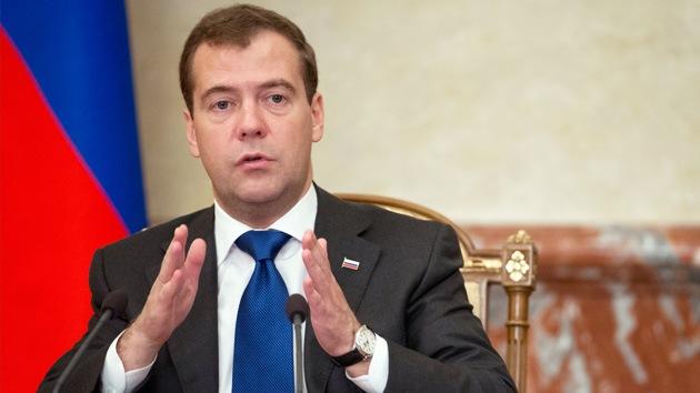 Medvédev: El sistema antimisiles europeo llevaría a una nueva carrera armamentista