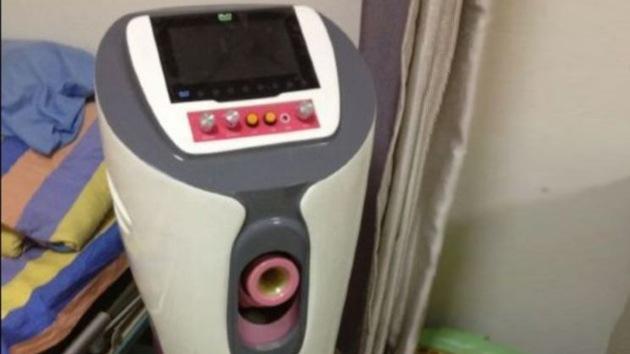 Video: El extractor de esperma deja a los donantes de 'brazos cruzados'