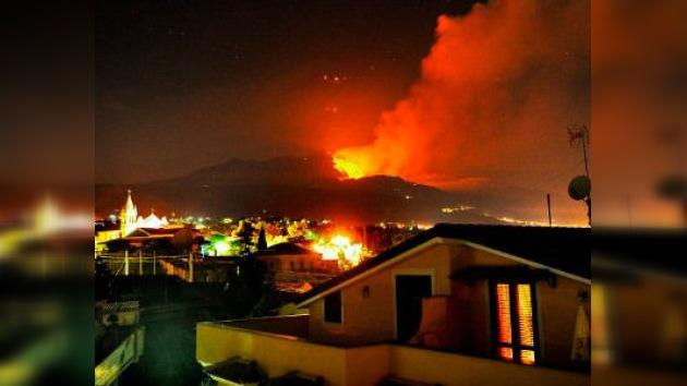 El volcán Etna entra en erupción por 17ª vez este año