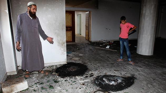 Funcionarios palestinos: Colonos israelíes incendiaron una mezquita en Cisjordania