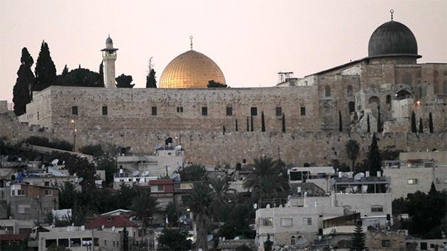"Abbás: ""Israel declara una guerra a Palestina con el cierre de la mezquita de Al Aqsa"""