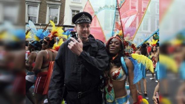La prensa británica corona como 'héroe' a un ex policía ruso que zancadilleó a un criminal