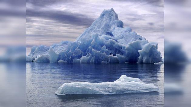 Enorme iceberg se separó de Groenlandia