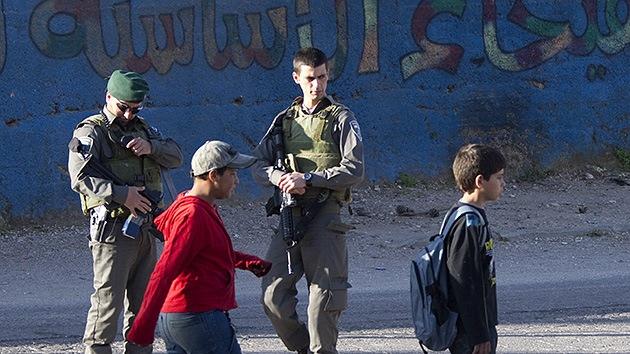 Veteranos israelíes pasan lista al hostigamiento de niños palestinos
