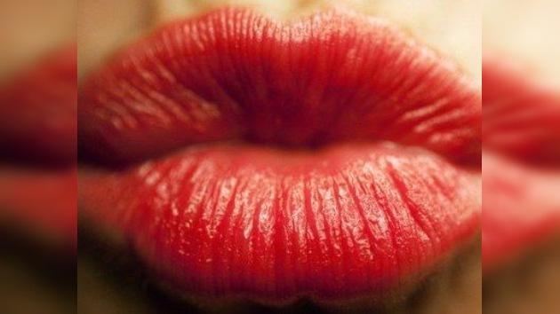 """""""Bésame mucho..."""": El Día Internacional del Beso se propaga por el boca a boca"""