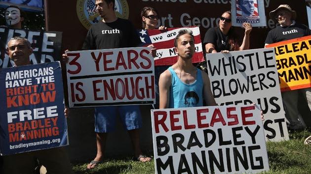 Miles de estadounidenses, dispuestos a asumir parte de la pena de prisión de Manning