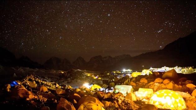 Video: Descubra el Everest y sus habitantes de día y de noche