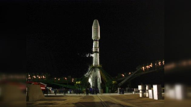 El cohete Soyuz pone en órbita seis satélites estadounidenses