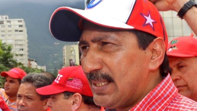 El regreso de Chávez a Venezuela está en manos de los médicos, según uno de sus hermanos