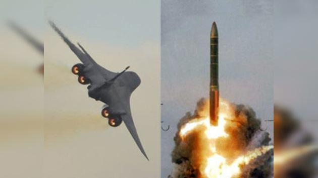 EE. UU. enseña el avión B-1 y Rusia el misil RS-24 en el marco del START