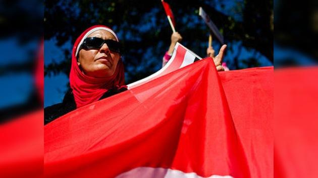 Una bloguera egipcia, acusada por criticar a la junta militar en las redes sociales