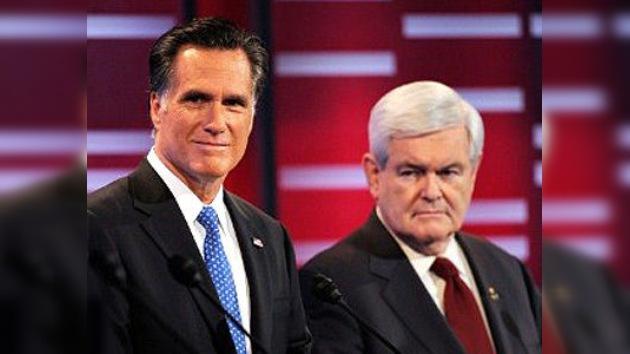El republicano Rick Perry abandona las primarias en favor de Gingrich