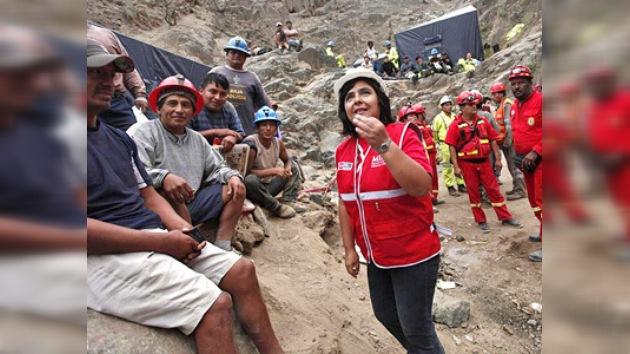 Rescatan con vida a los nueve mineros atrapados en Perú