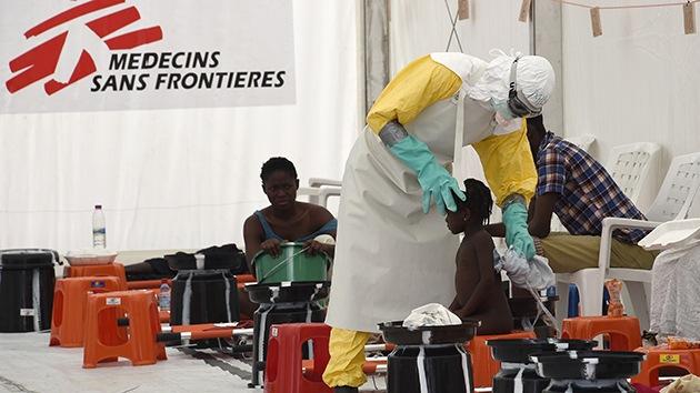 La increíble historia de una joven que salvó a sus familiares del ébola sin contagiarse
