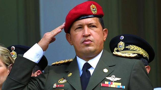 """Hugo Chávez, una vida """"dedicada a la lucha por el pueblo"""" en imágenes"""