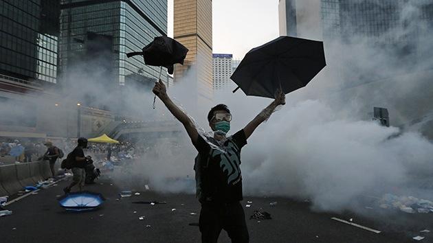 El 'hombre de los paraguas' de Hong Kong se hace viral