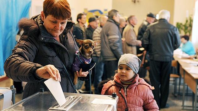 """Experto: """"Las acciones de Kiev provocaron el resultado del referendo en Crimea"""""""