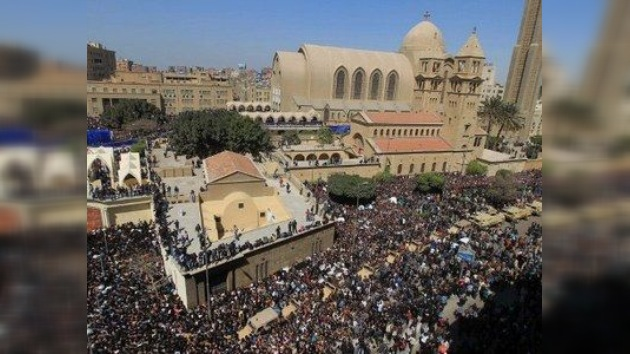 Varios muertos en una estampida en la ceremonia de despedida del Papa copto en Egipto