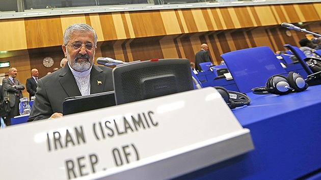 El OIEA aprueba una resolución de condena a Teherán