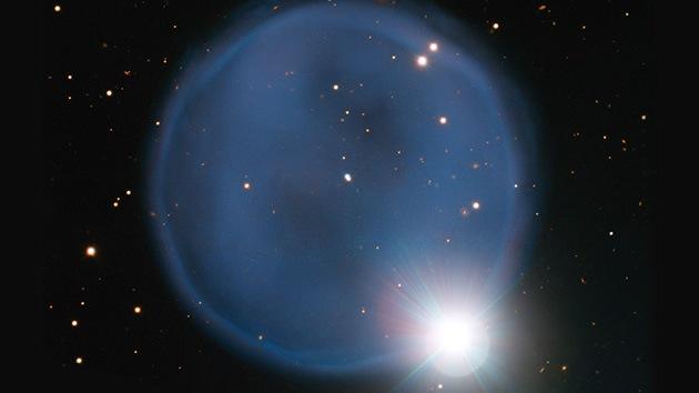 Encuentran un 'anillo de diamantes' a 2.500 años luz de la Tierra