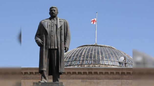 Retiran el monumento a Stalin de su ciudad natal en Georgia