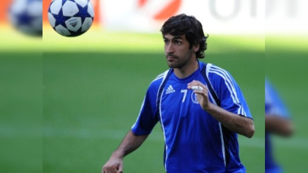 El Schalke de Raúl amenaza al favorito Manchester United en la Liga de Campeones