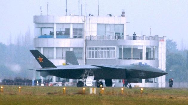 Un avión caza chino de quinta generación realiza su primer vuelo exitoso