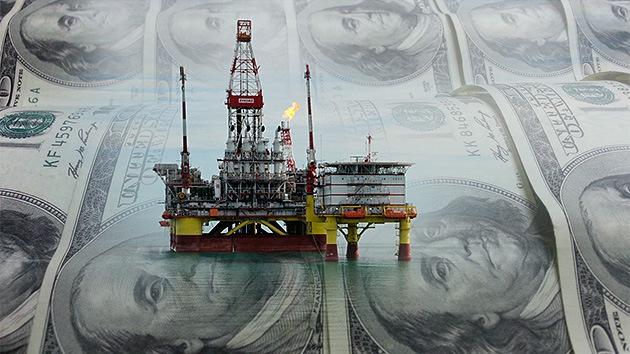 La caída de precios del crudo hace temblar a los bancos y la tecnología de EE.UU.