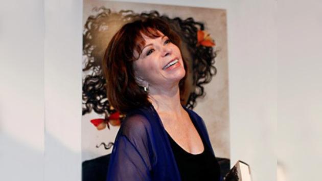 Isabel Allende recibe el Premio Nacional de Literatura de Chile 2010