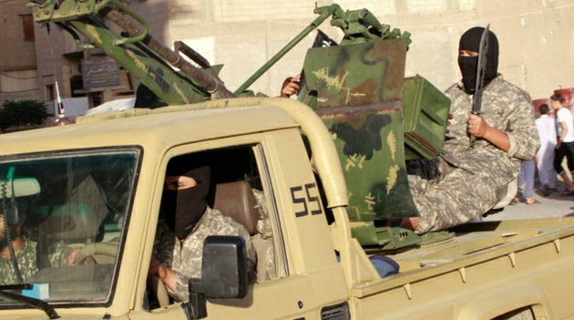 El Estado Islámico decapita y crucifica a uno de sus líderes por extorsionar dinero