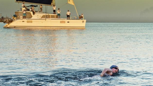La australiana falla en su intento de cruzar a nado el Estrecho de Florida