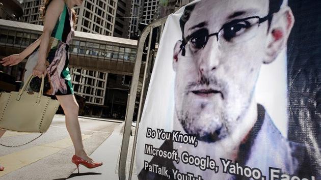 Snowden 'se acerca' a Islandia a través de un intermediario para pedir asilo