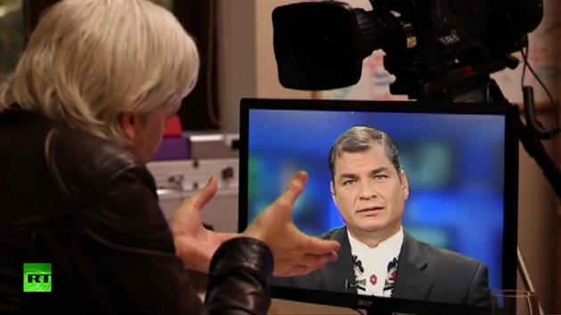 Correa desenmascara los trucos de EE. UU., cara a cara con Assange