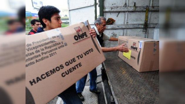 En Perú, última encuesta en víspera de las presidenciales da a Humala como vencedor