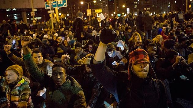 EE.UU.: Anonymous apoya 'el día de la ira' contra la muerte impune de afroamericanos