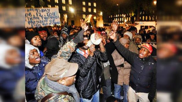 Más de un centenar de detenidos en nuevos disturbios en Londres