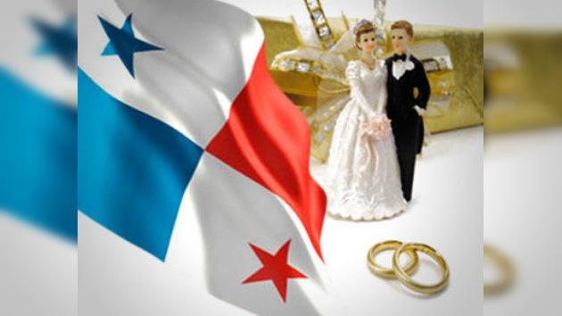 Panamá se viste de blanco: 1.500 parejas contraen matrimonio civil en un acto masivo