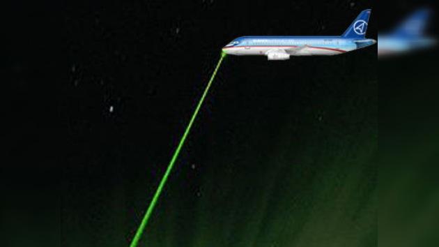 Los 'cegadores del láser' amenazan de nuevo el tráfico aéreo en Moscú