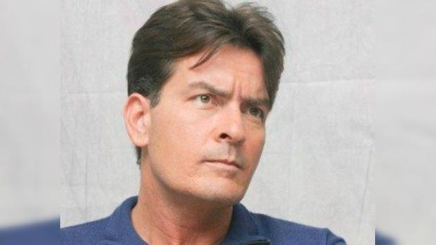 Charlie Sheen recibirá 25 millones de dólares por su despido de un serial