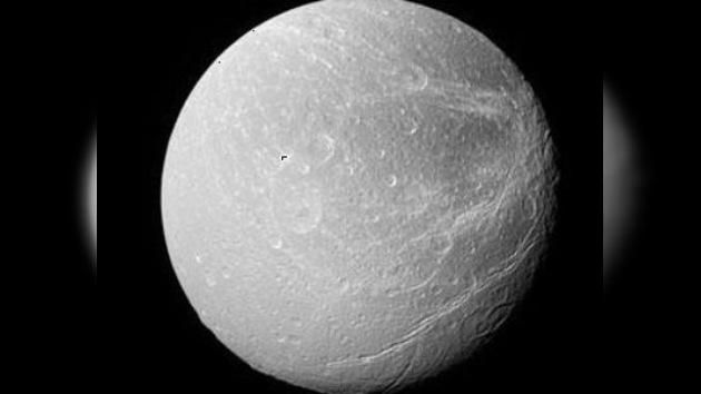 Hallan oxígeno en un satélite de Saturno