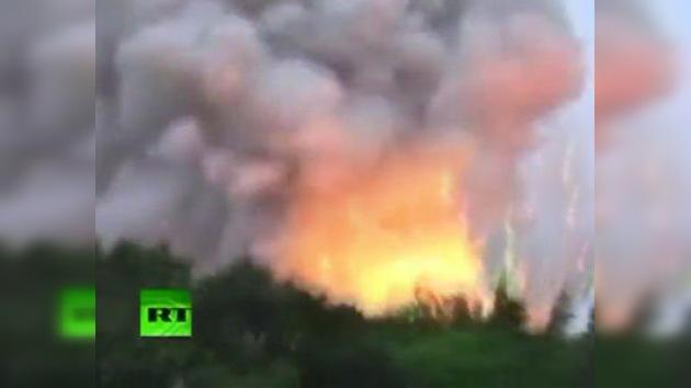 Un incendio en una fábrica de pirotecnia en Tailandia obliga a evacuar a los vecinos
