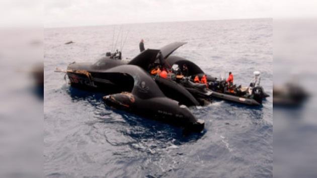 Ecologistas acusan a ballenero japonés de hundir su lancha