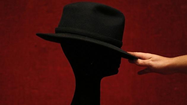 Dos hombres imprimen modelos de sí mismos en 3D para encontrar pareja