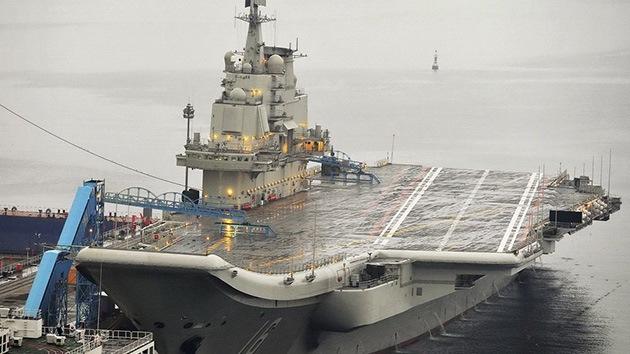 Rusia entregará a la India un portaaviones y seguirá la construcción de la central nuclear