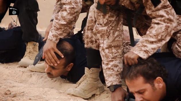 Estado Islámico divulga su ejecución más salvaje: 18 soldados degollados en video