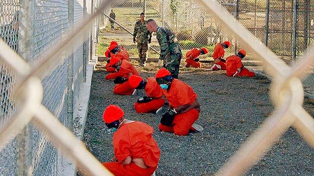"""Una carta desde Guantánamo: """"Nadie puede hacerse a la idea de cómo sufrimos"""""""