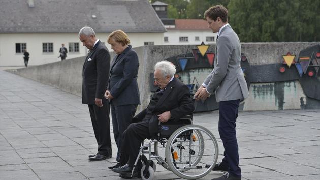 Critican a Merkel por su visita al campo de la muerte de Dachau en plena campaña